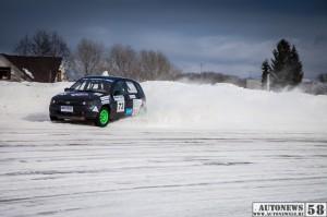 зимним трековым автогонкам