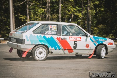 lada-2108-4x4-racing