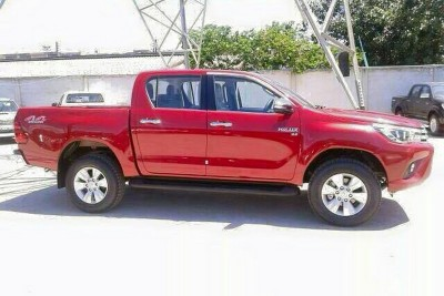 toyota-hilux-new-pres-2