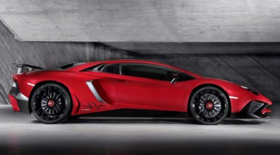 Lamborghini-aventodor2