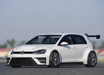 Volkswagen-Golf-330