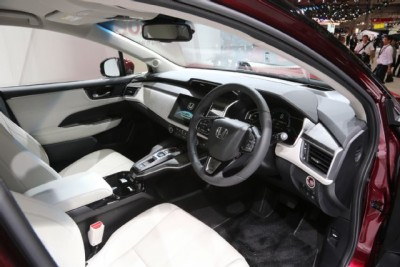 Honda-Clarity-Fuel-Cell-interior