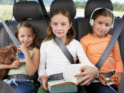 truecar_allstate_family-car-safety_three-kids-backseat_thinkstock-200299934-001-jpg-740x555_q85_box-14401077700_crop_detail_upscale