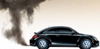 Volkswagen-DieselGate-Beetle-Emitting-Black-Smoke-from-Exhaust