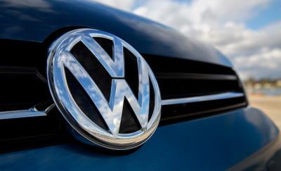 volkswagen-emblem-autonews58