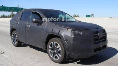 Новый Toyota RAV4 вывели на тесты