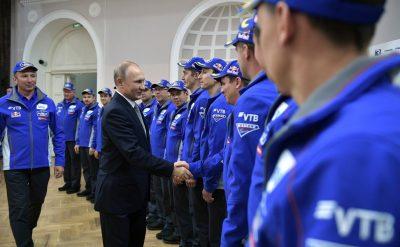 Путин встретился с командой «КАМАЗ-мастер»