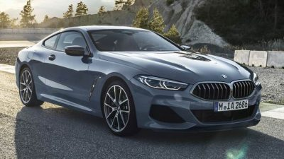 Компания BMW озвучила российские цены на спортивное купе 8-й серии, которой поступит в продажу в конце ноября 2018 года.  Изначально клиентам предложат две версии автомобиля — BMW 840d xDrive Coupe и BMW M850i xDrive. Цены на новинку начинаются от 6 600 000 руб.  Уже в стандартном оснащении «Восьмерки» присутствуют лазерные фары, 18-дюймовые легкосплавные диски, ассистенты вождения и парковки, автодоводчики дверей, интерактивный ключ, обогрев передних сидений, руля и подлокотников, полноуправляемое шасси, адаптивная подвеска M с регулируемыми амортизаторами. Кроме того, бензиновый вариант по умолчанию комплектуется спортивными дифференциалом и тормозами M Sport, а для дизельного можно заказать спортивные пакеты M Sport  и M Technology Sport. За доплату, среди прочего, доступна подвеска M Professional с активным подавлением кренов.