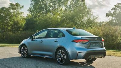 2020-toyota-corolla-sedan-6
