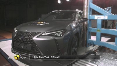 lexus-ux-crash