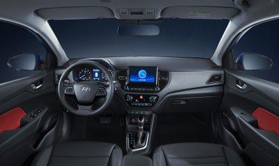 Южнокорейская компания Hyundai представила обновленный седан Solaris для России.