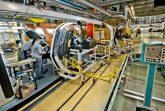 АВТОВАЗ продолжает модернизировать производственные технологии и процессы. В 2019 году был проведен большой объем работ, итогом которых стало усиление контроля качества, оптимизация процессов и экономия средств, улучшение условий труда работников. Повышение эффективности производства ведется в рамках методик Альянса Renault-Nissan – АВТОВАЗ полноправный участник международного производственного комплекса, который не только выпускает автомобили, отвечающие самым современным стандартам, но и поставляет автокомпоненты для производства автомобилей Альянса в России и за рубежом. В 2019 году был модернизирован сборочный конвейер LADA Granta. В результате перестроения производственных потоков общая длина сборочных линий уменьшена на 560 метров. Снижено количество автомобилей в потоке, что положительно отразилось на уровне качества. Организованы участки формирования кит-комплектов. Уменьшено количество задействованных погрузчиков, при этом на конвейере появилось 8 роботизированных тележек для автоматической доставки комплектующих на сборочные посты – нововведения улучшили соблюдение ритма поставок на 23%. Концепция сборки, применяемая на АВТОВАЗе, определяет, что под каждый кузов формируется набор компонентов в соответствии с комплектацией будущего автомобиля. Роботизированные тележки, синхронизированные со скоростью конвейера, доставляют данный набор комплектующих из зоны формирования данных кит-комплектов к соответствующим сборочным постам, где работники в соответствии с программой сборки устанавливают их на конкретный кузов. В производстве автомобилей на платформе В0 внедрено 8 дополнительных роботов, отвечающих за сварку критически важных точек основания и каркаса кузова, которые фиксируют геометрию автомобиля. Роботизация и повышение стабильности выполнения операций позволило улучшить эффективность работы данного участка производства. Теперь на линии сварки основания кузова LADA Largus и LADA XRAY работает 13 роботов. В 2020 году модернизация производства продолжится. 