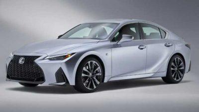 Фотографии седана Lexus IS следующего поколения утекли в Сеть.