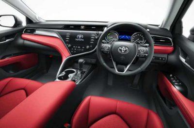 Toyota представила седан Camry в особой версии Black Edition
