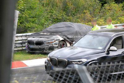 В сети появилась серия шпионских фотографий таинственного прототипа BMW M8, попавшего в аварию на Нюрбургринге.