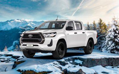 Toyota Hilux получил бензиновый мотор в России