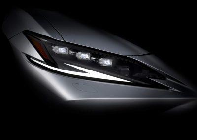 Lexus показал фару нового ES