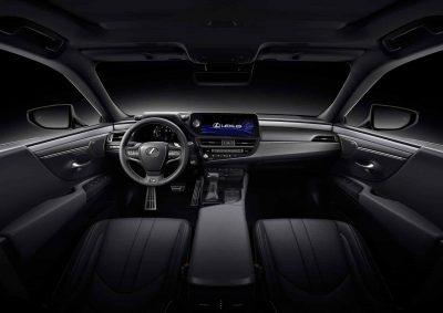 Японский автомобильный бренд Lexus официально рассекретил рестайлинговый седан Lexus ES в рамках автосалона в Шанхае.
