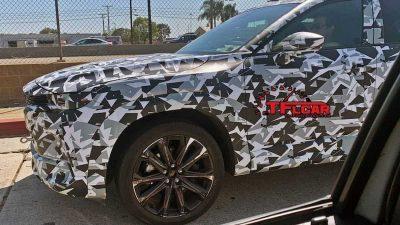 Новую Mazda CX-50 заметили на дороге