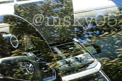 Toyota Land Cruiser 300: новые фотографии салона