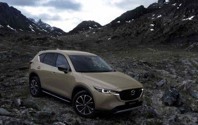 Mazda представила обновленный кроссовер CX-5